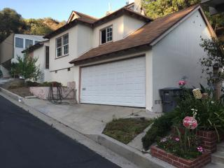 444 Devonshire Ln, Glendale, CA 91206