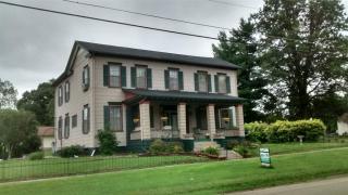 411 N Main St, Vermont, IL 61484