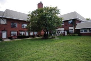 425 Newbridge Rd, East Meadow, NY 11554