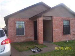 5200 Carol Ave, Fort Worth, TX 76105