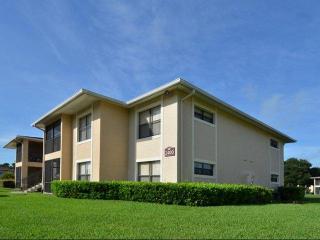 100 Larch Cir NE, Palm Bay, FL 32905