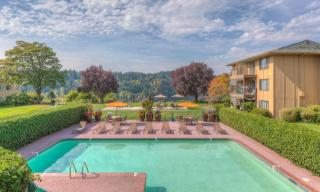 12601 SE River Rd, Milwaukie, OR 97222
