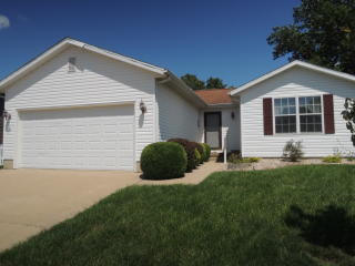 702 Pecan St, Greenville, IL 62246