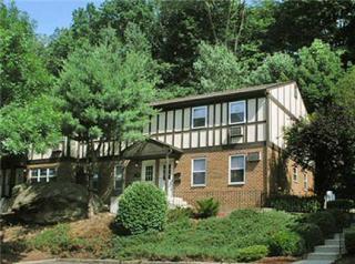 117 Treetop Ct, Bloomingdale, NJ 07403