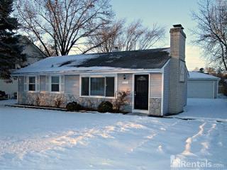 1382 Teakwood Ln, Crystal Lake, IL 60014
