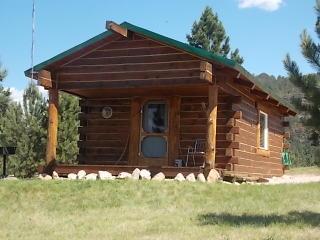 72 Three Peaks Trl, Sundance, WY 82729