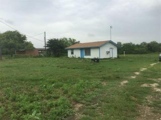 95 Sunset Trail, Luling TX