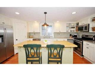 8 W Acton Rd, Stow, MA 01775