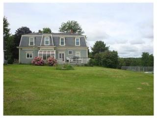 119 Main Rd N, Hampden, ME 04444