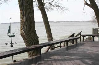 1313 N Shore Dr, Clear Lake, IA 50428