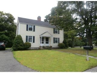 32 Westford Dr, Southport, CT 06890