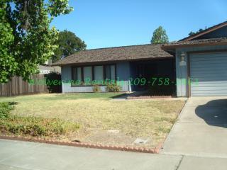 3319 Estate Dr, Stockton, CA 95209