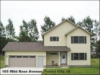 105 Wild Rose Ave, Forest City, IA 50436