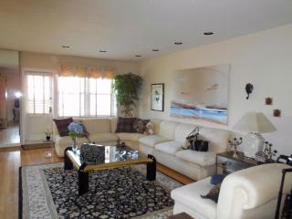 16201 Powells Cove Blvd #5H, Beechhurst, NY 11357