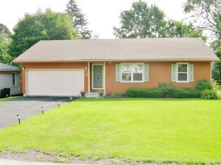 1112 Pine Street, Lake in the Hills IL