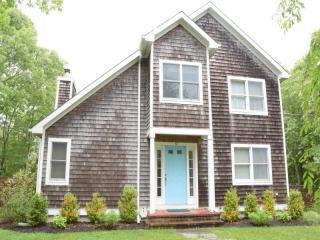 87 Bay View Dr W, Sag Harbor, NY 11963