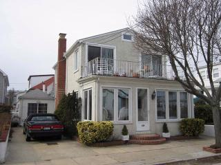 129 Glenwood Ave, Point Lookout, NY 11569