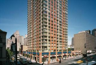 305 W 50th St, New York, NY 10019