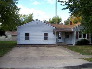 201 W Broad St, Raymond, IL 62560