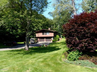 48 Greylock Estates Road, Lanesborough MA