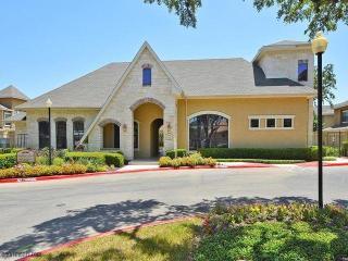 6298 Lockhill Rd, San Antonio, TX 78240