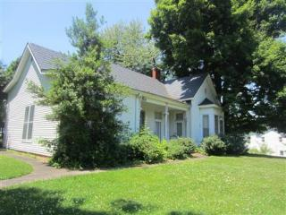 322 W Main St, Morganfield, KY 42437