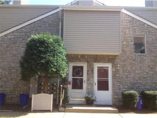 27 Farnham Square, Parlin NJ