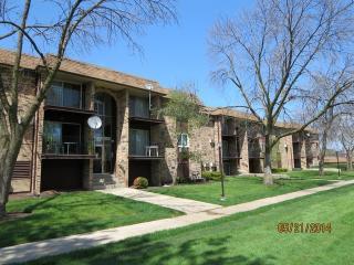 1035 Higgins Quarters Dr #4-205, Hoffman Estates, IL 60169