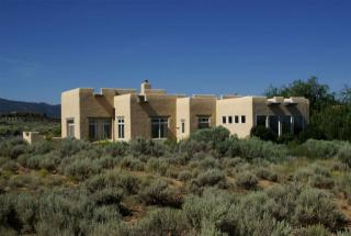 24 Irish Road, Taos NM