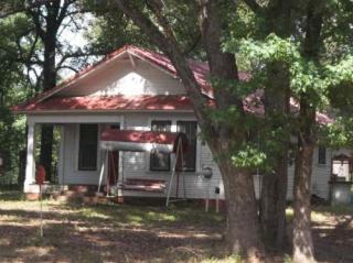 613 S Arkansas Ave, Bloomburg, TX 75556