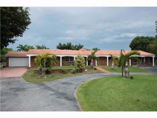6300 Holatee Trl, Southwest Ranches, FL 33330