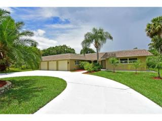 5019 West Country Club Drive, Sarasota FL