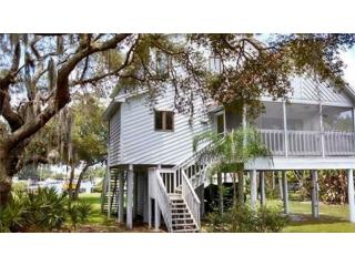 3327 Pineview Drive, Holiday FL