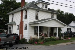 429 Chestnut St, Lumberport, WV 26386