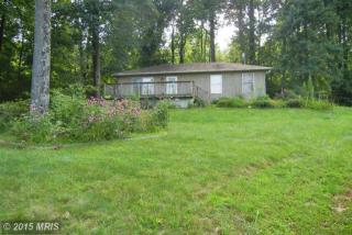 25 Red Haven Ln, Chester Gap, VA 22623