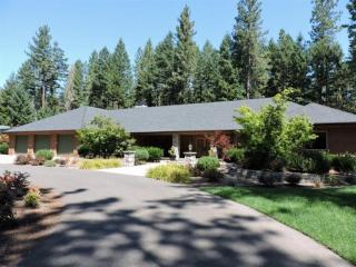 1265 Powell Creek Rd, Williams, OR 97544