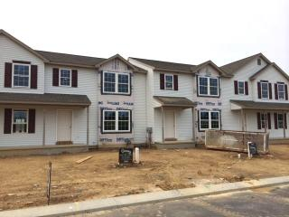 320 Meadow View Dr, Myerstown, PA 17067