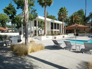 550 Laurie Ln, Thousand Oaks, CA 91360