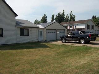 404 1st Ave NW, Steele, ND 58482