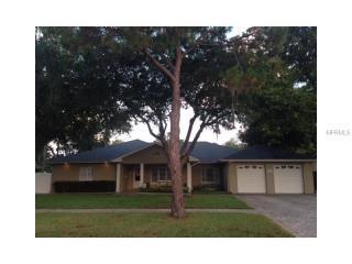 1718 Magnolia Rd, Belleair, FL 33756