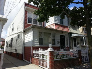 9030 75th St, Queens, NY 11421