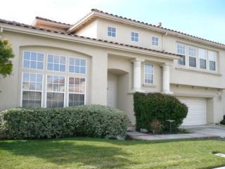 255 Berkshire Dr, Morgan Hill, CA 95037
