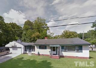 207 E Oak St, Selma, NC 27576
