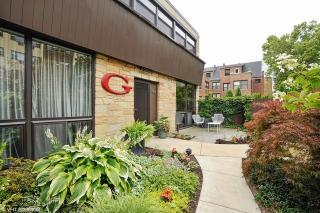 561 West Cornelia Avenue, Chicago IL