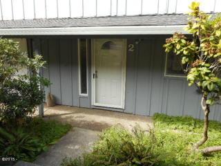 445 NE Williams Ave, Depoe Bay, OR 97341
