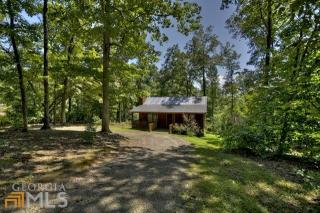 682 Evergreen Ln, Mineral Bluff, GA 30559