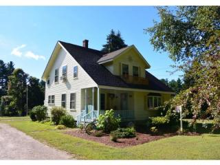 458 Middle Road, Brentwood NH