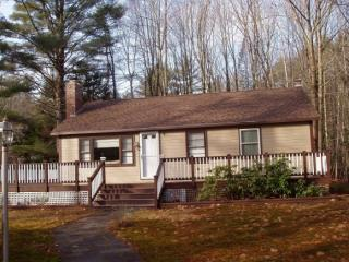 24 Birch Ln, Hebron, NH 03241
