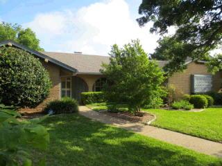 8257 Forest Ridge Dr, Waco, TX 76712