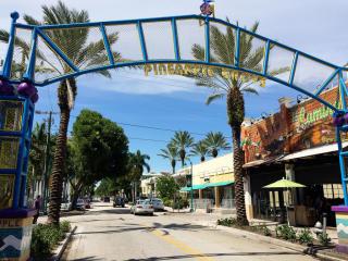 260 NE 3rd St, Delray Beach, FL 33444